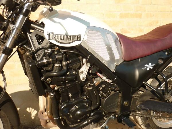 Triumph 900 3 cilindri